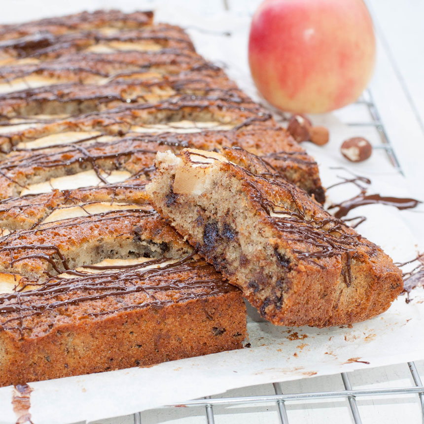 Apple & chocolate cake